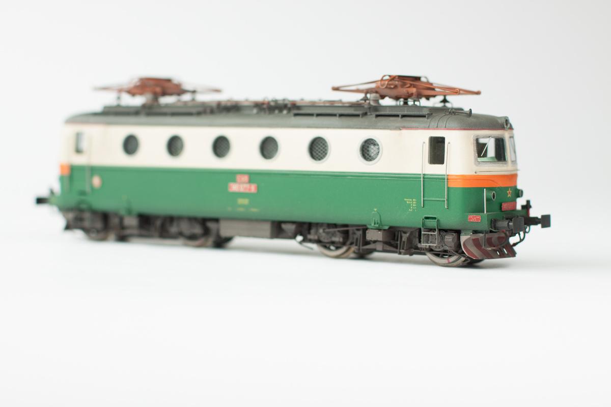140.077-9 Bobina with orange strip