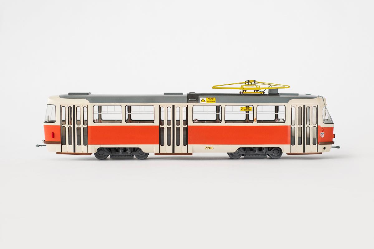 Tatra T3 model in Bratislava color scheme